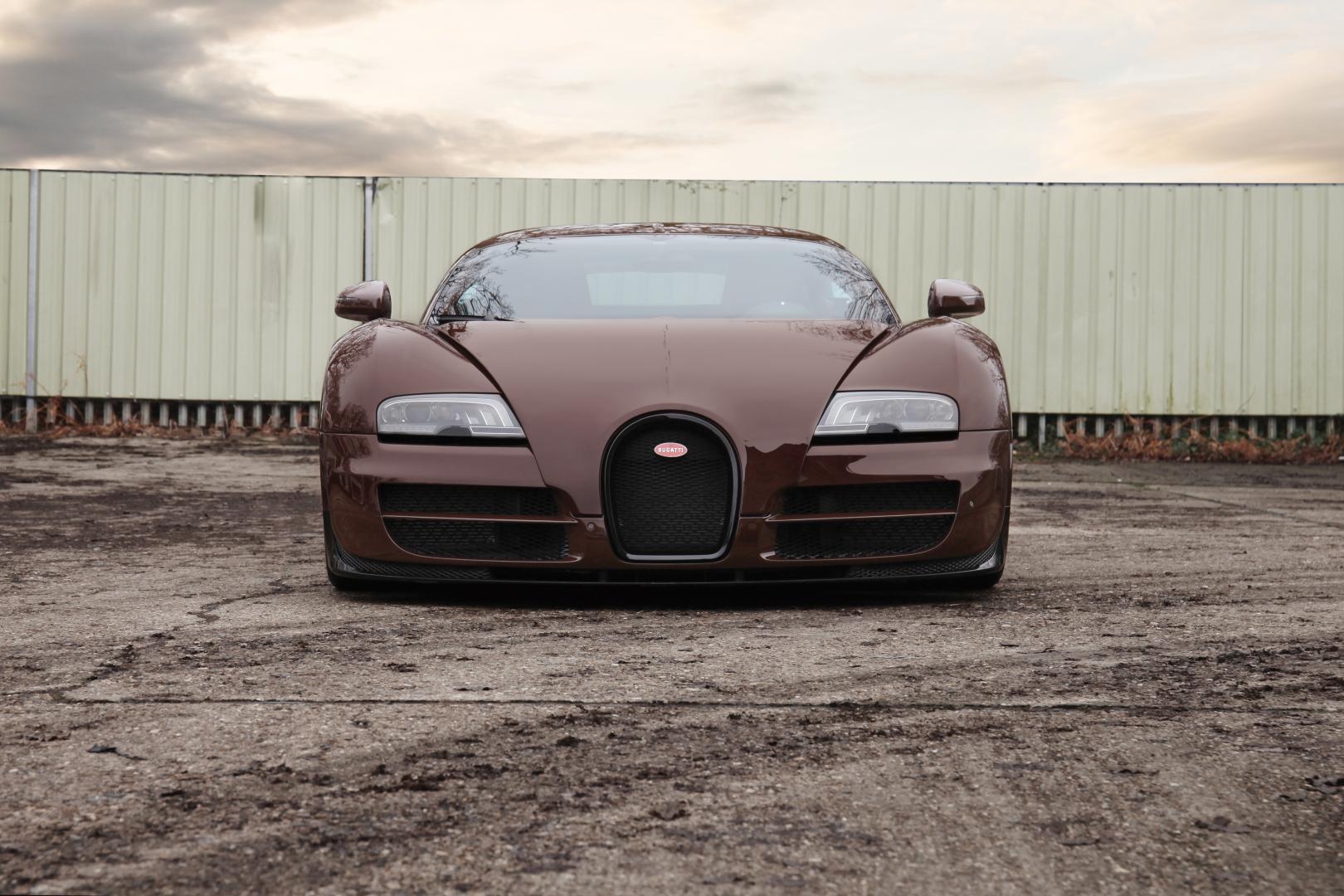 Bruine Bugatti Veyron Super Sport