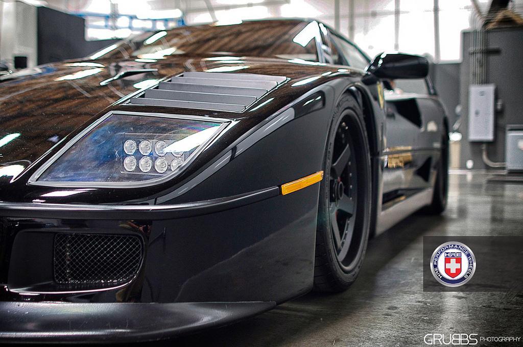 Ferrari F40 van Gas Monkey Garage