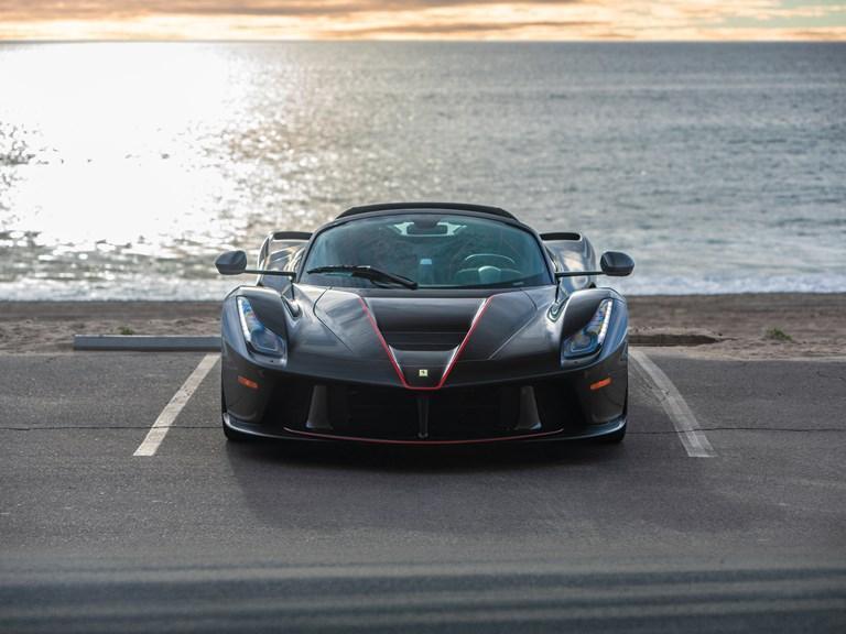 Ferrari LaFerrari Aperta Zwart
