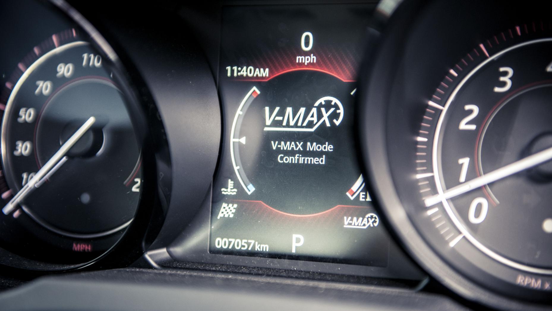 Jaguar F-Type SVR V-Max Mode op Autobahn