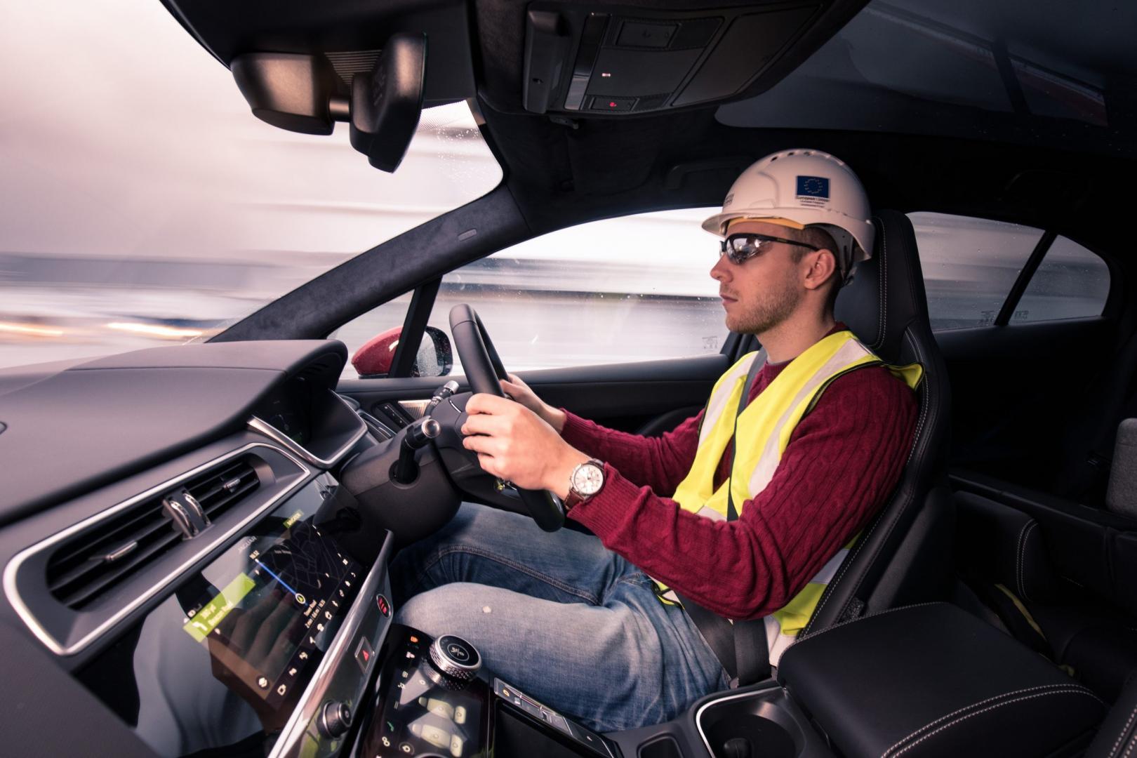 Jaguar I-Pace HSE Tunnel bouwhelm