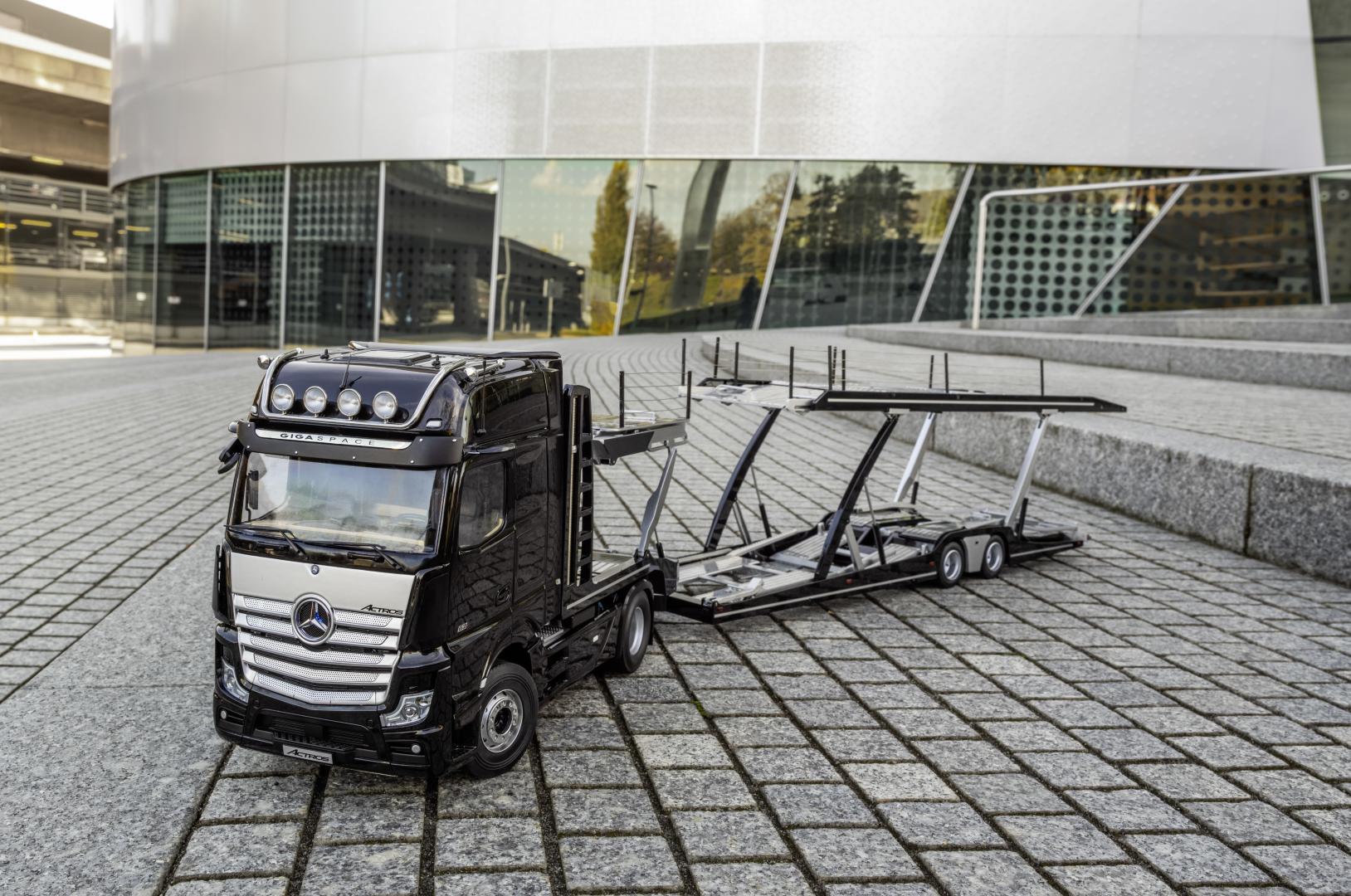 Mercedes Actros Truck schaalmodel leeg