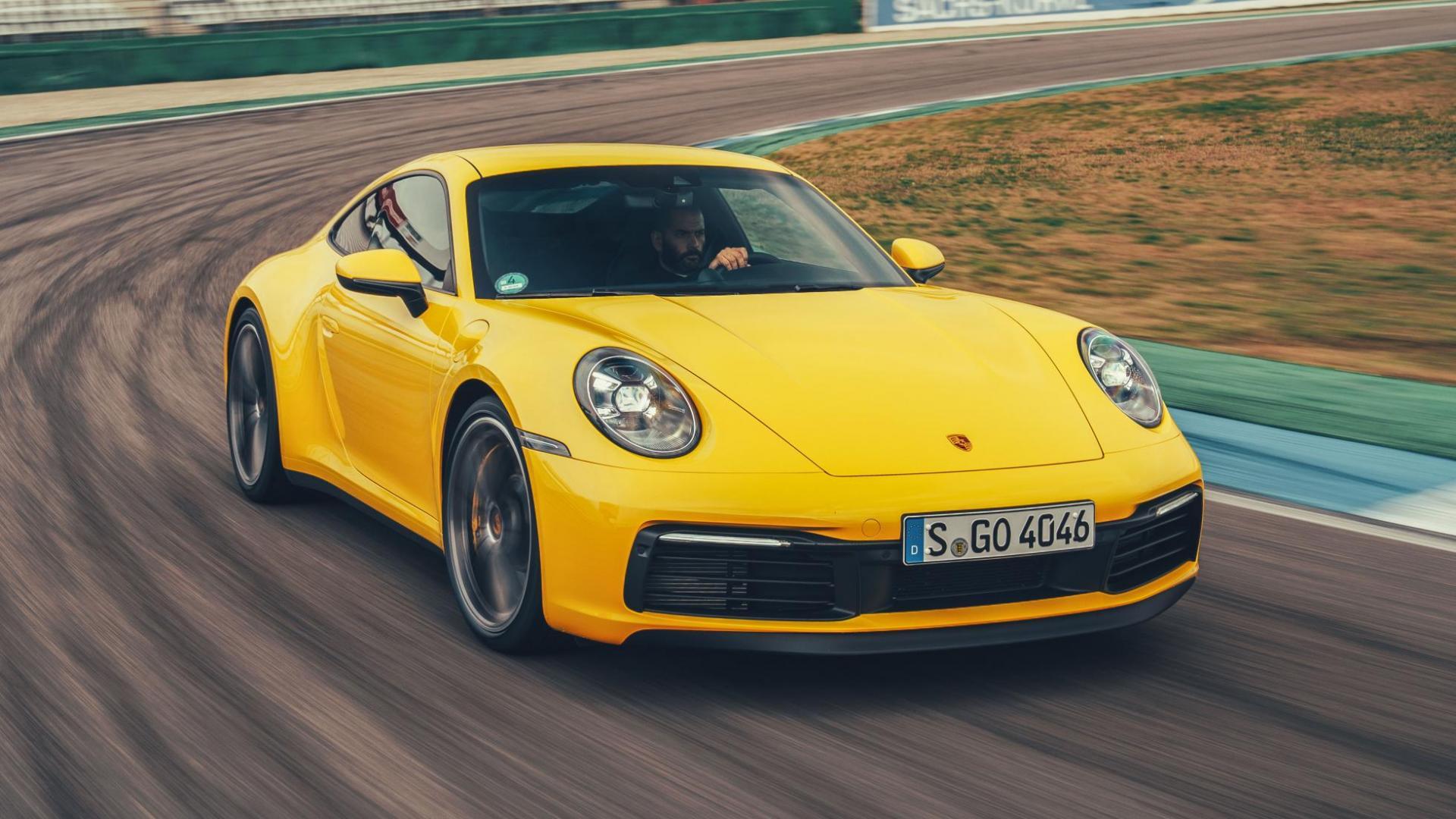 Porsche 911 (992) Carrera 4S Geel