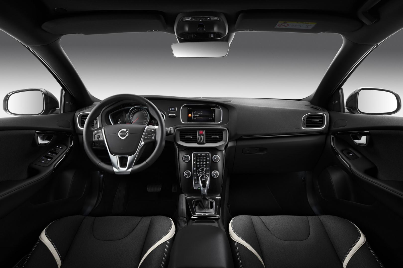 Volvo V40 Zwart
