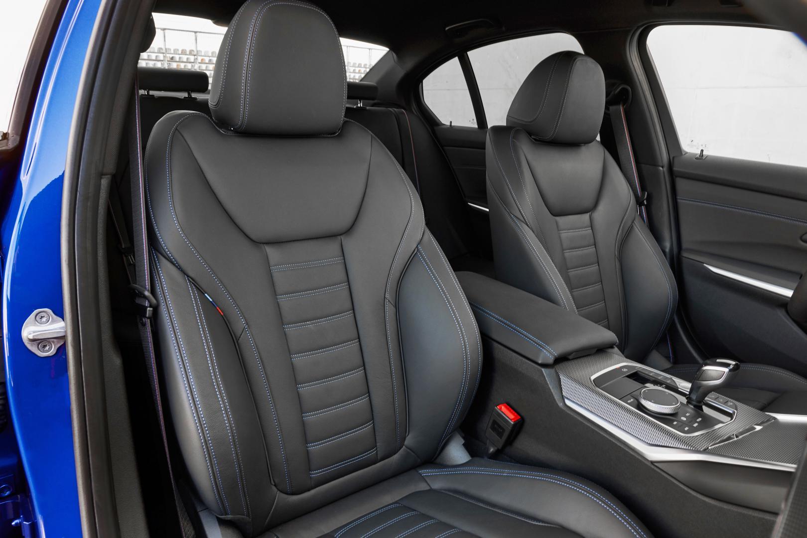 BMW 330i voorstoelen interieur