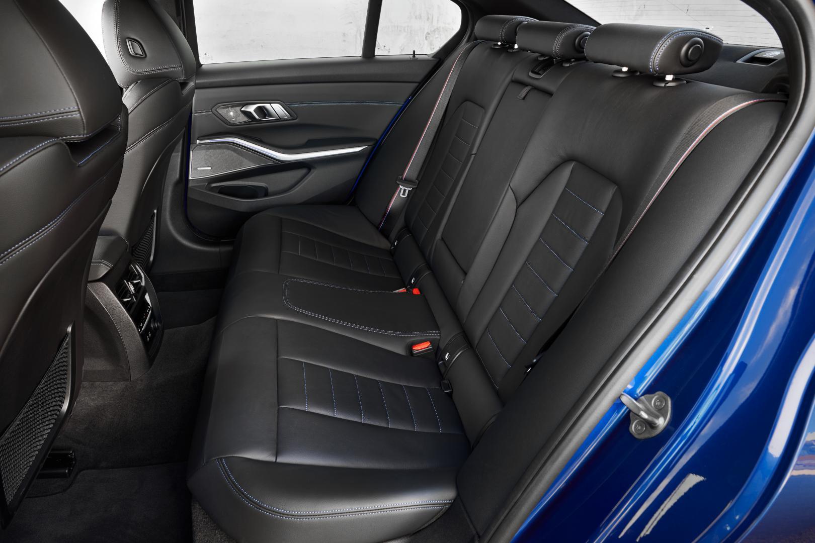 BMW 330i achterbank