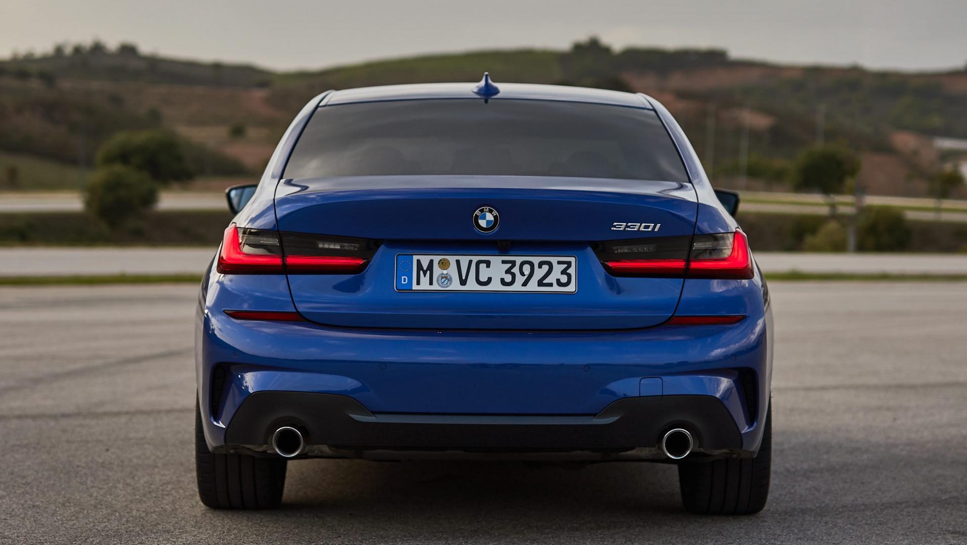 BMW 330i achterkant