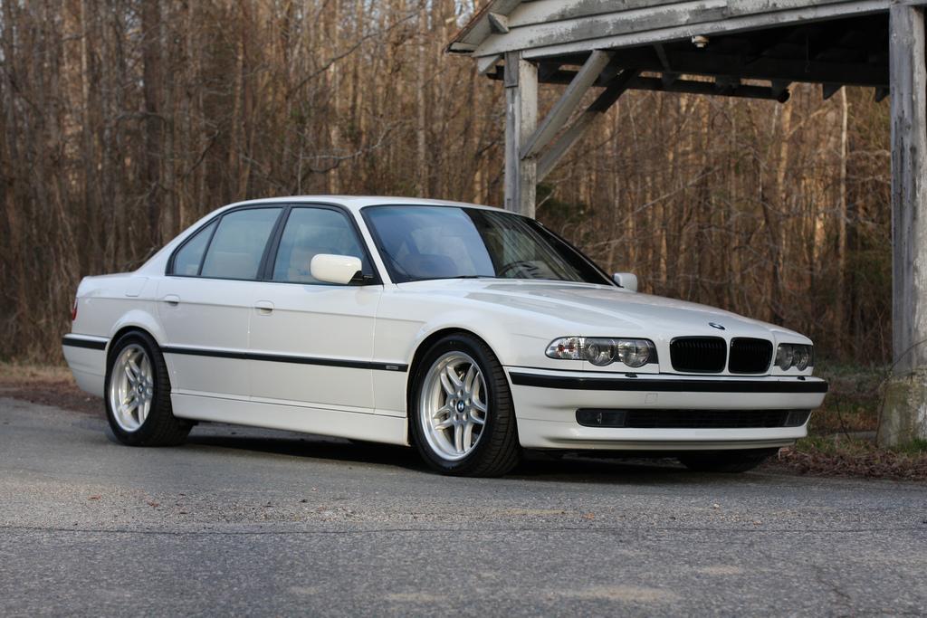 BMW 740i E38 - BMW M7