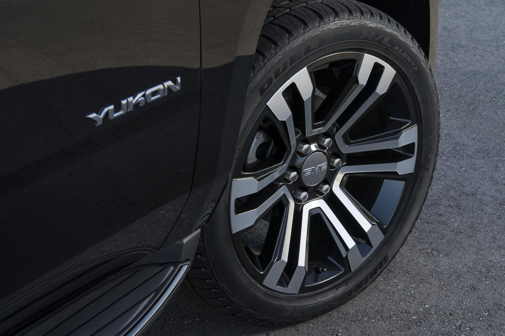 2019 GMC Yukon Graphite Edition wielen