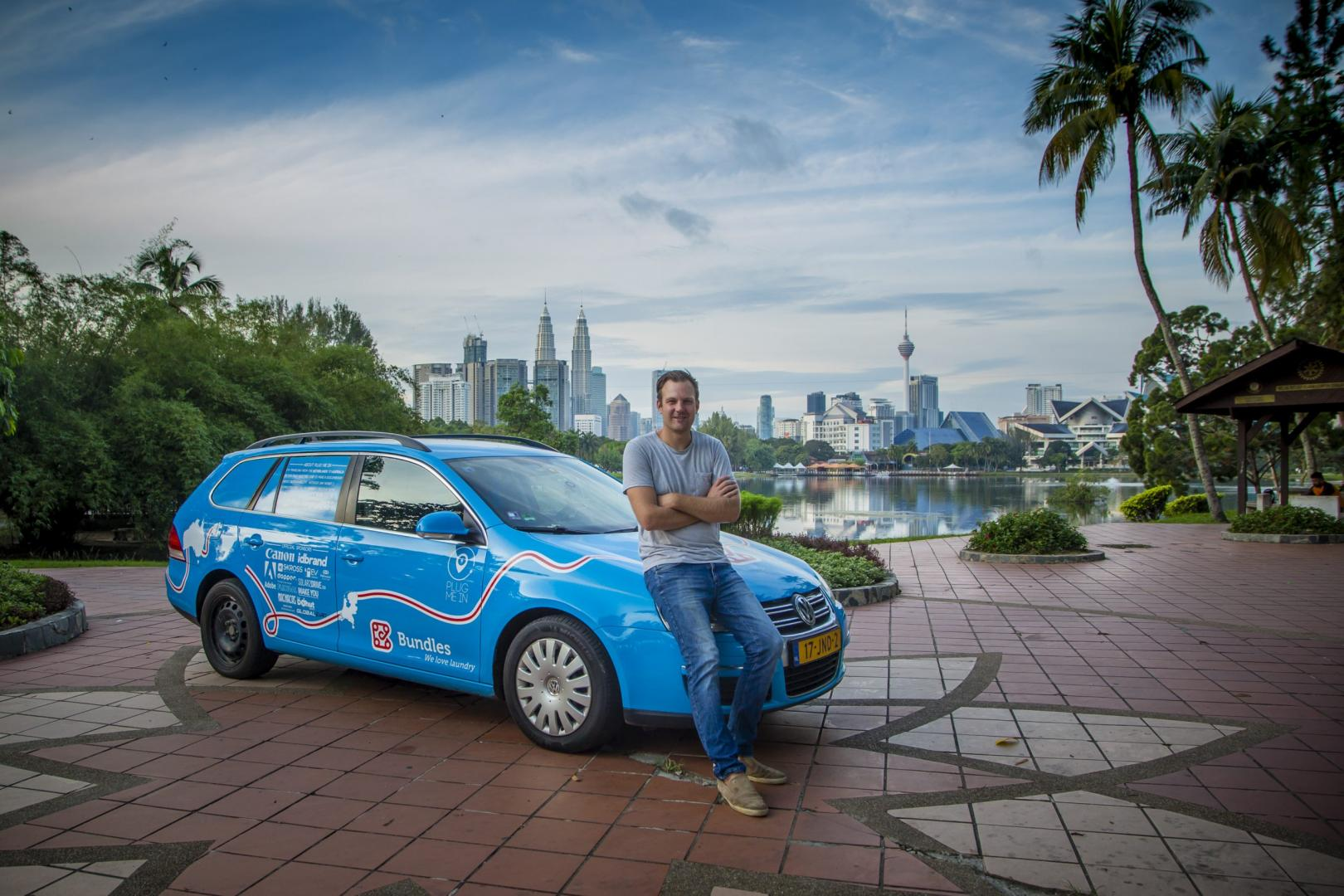 Elektrische Golf met Wiebe Wakker in Kuala Lumpur