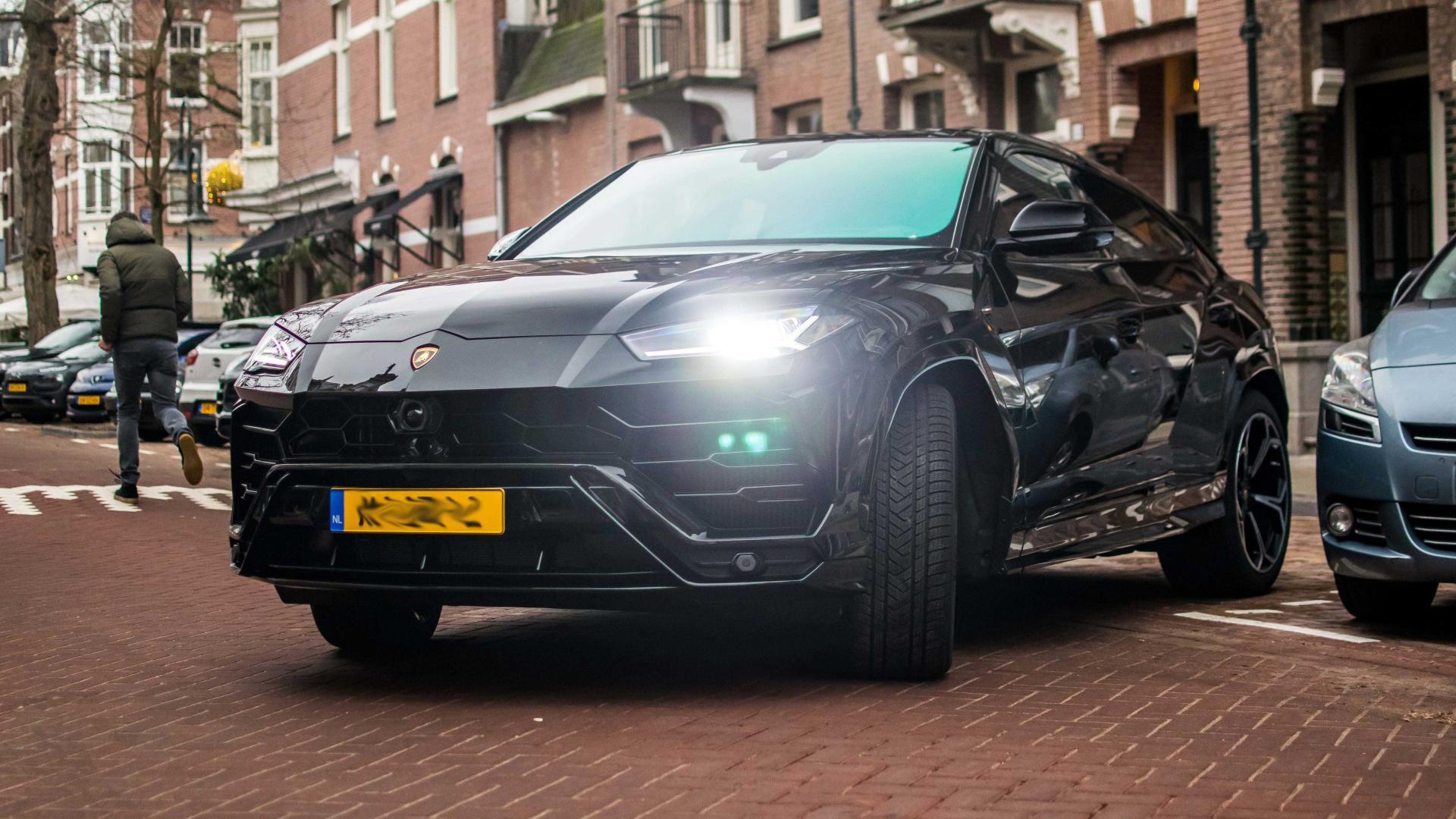 Lamborghini Urus in de Bilt Nederland