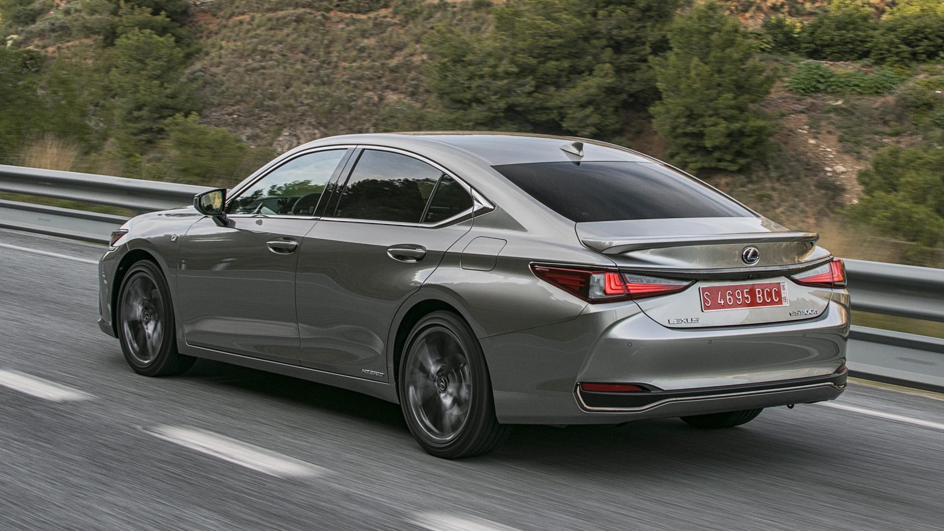Lexus ES 300h F Sport Premium