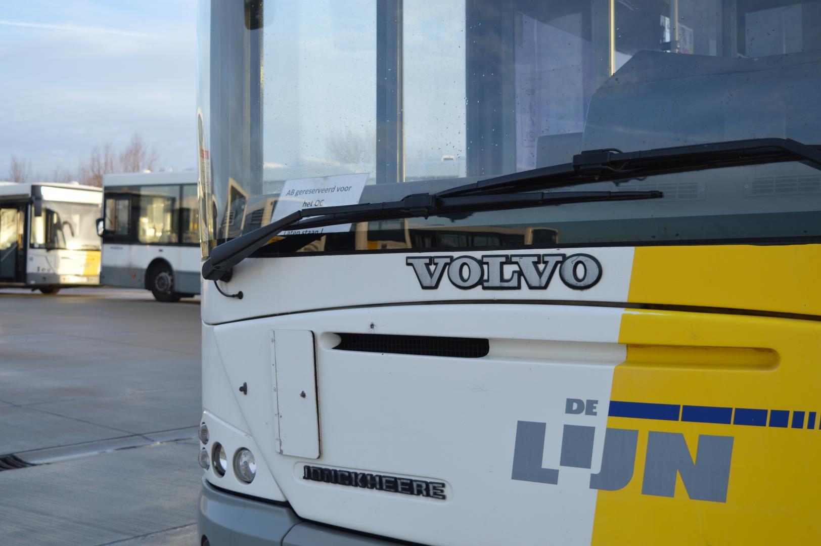 30 Belgische lijnbussen te koop voor weinig
