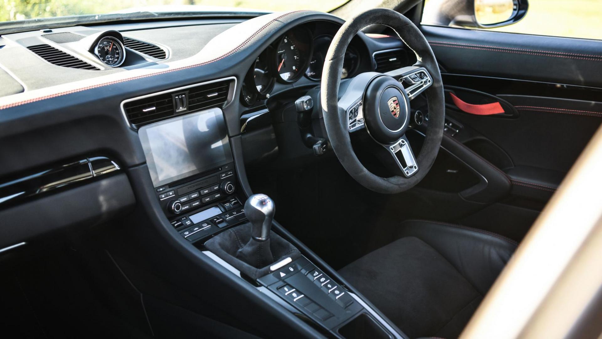 Litchfield Porsche 911 T interieur dashboard
