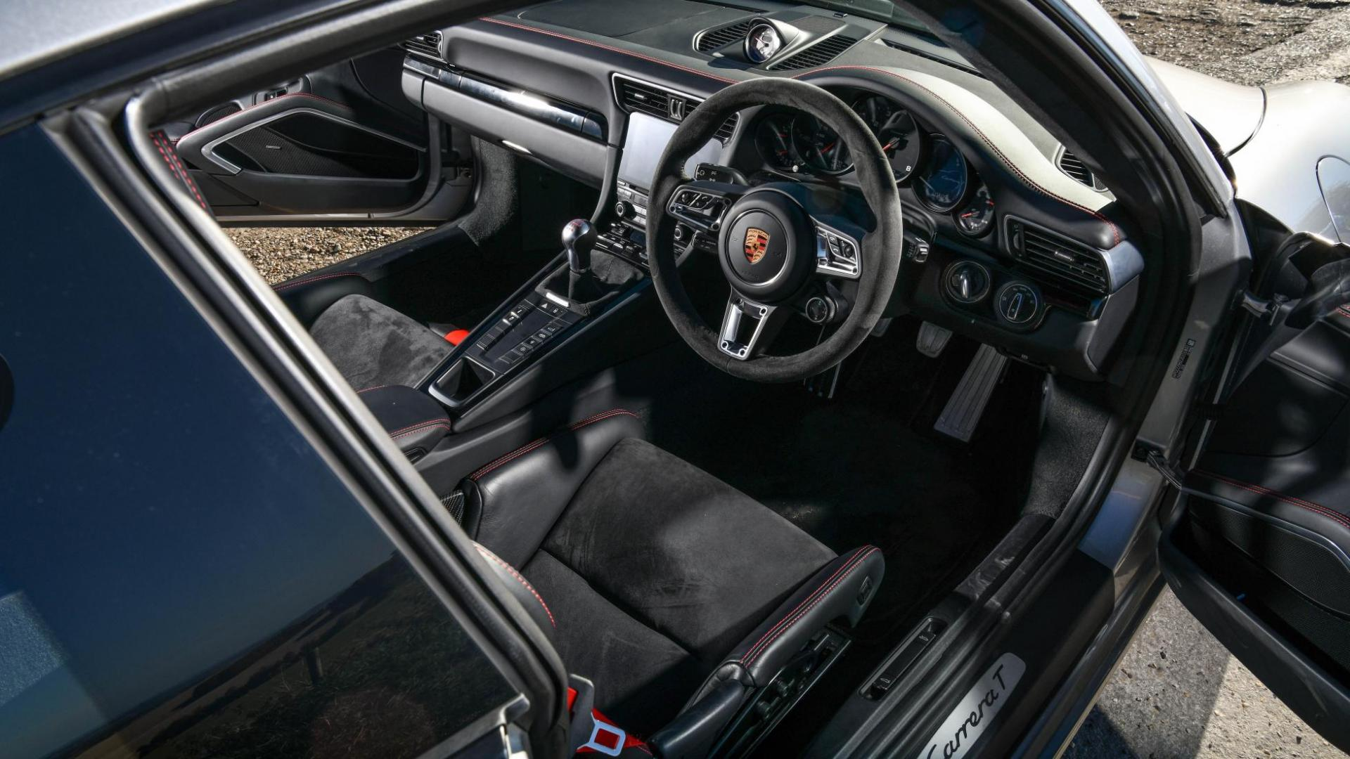Litchfield Porsche 911 T interieur