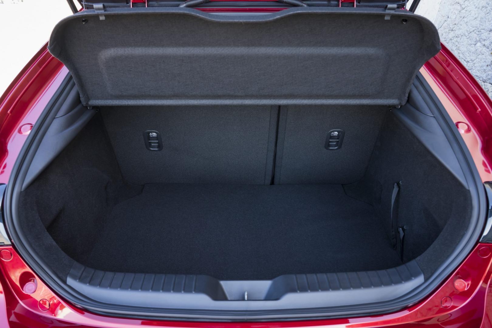 Mazda 3 2019 kofferbak bagageruimte