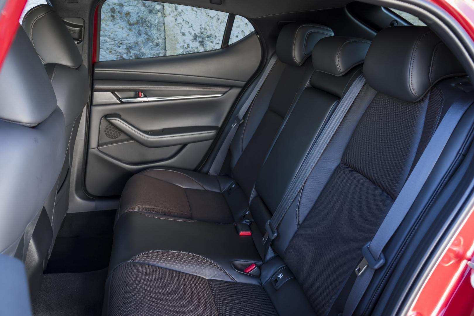Mazda 3 2019 interieur achterbank