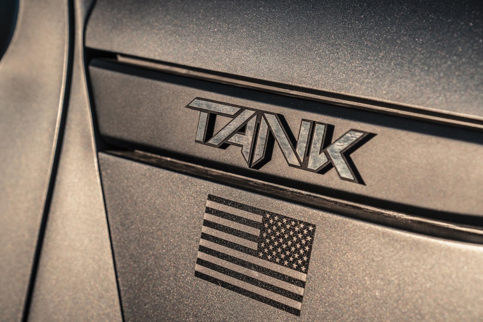 de Rezvani Tank