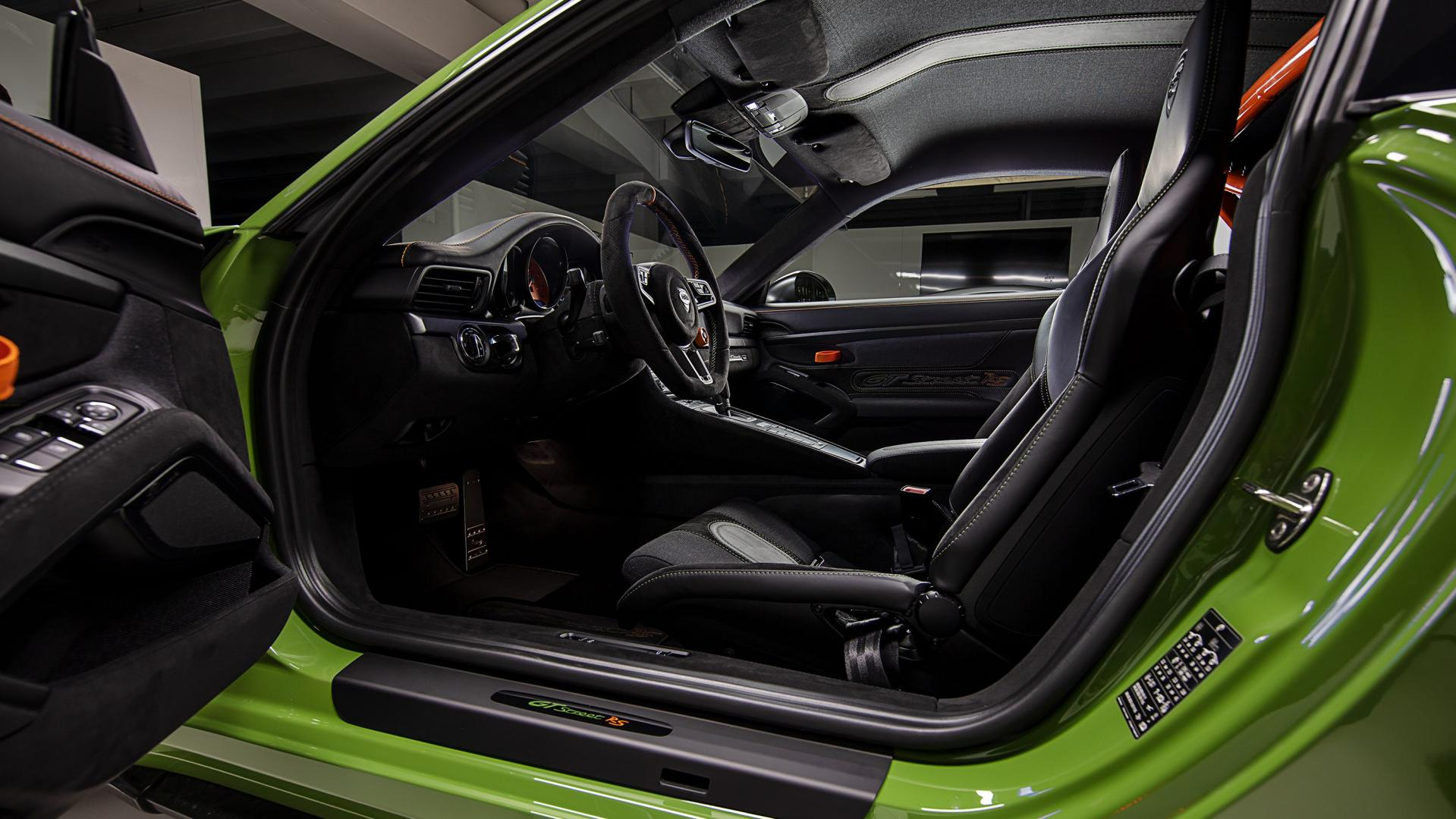 TechArt GTstreet RS interieur