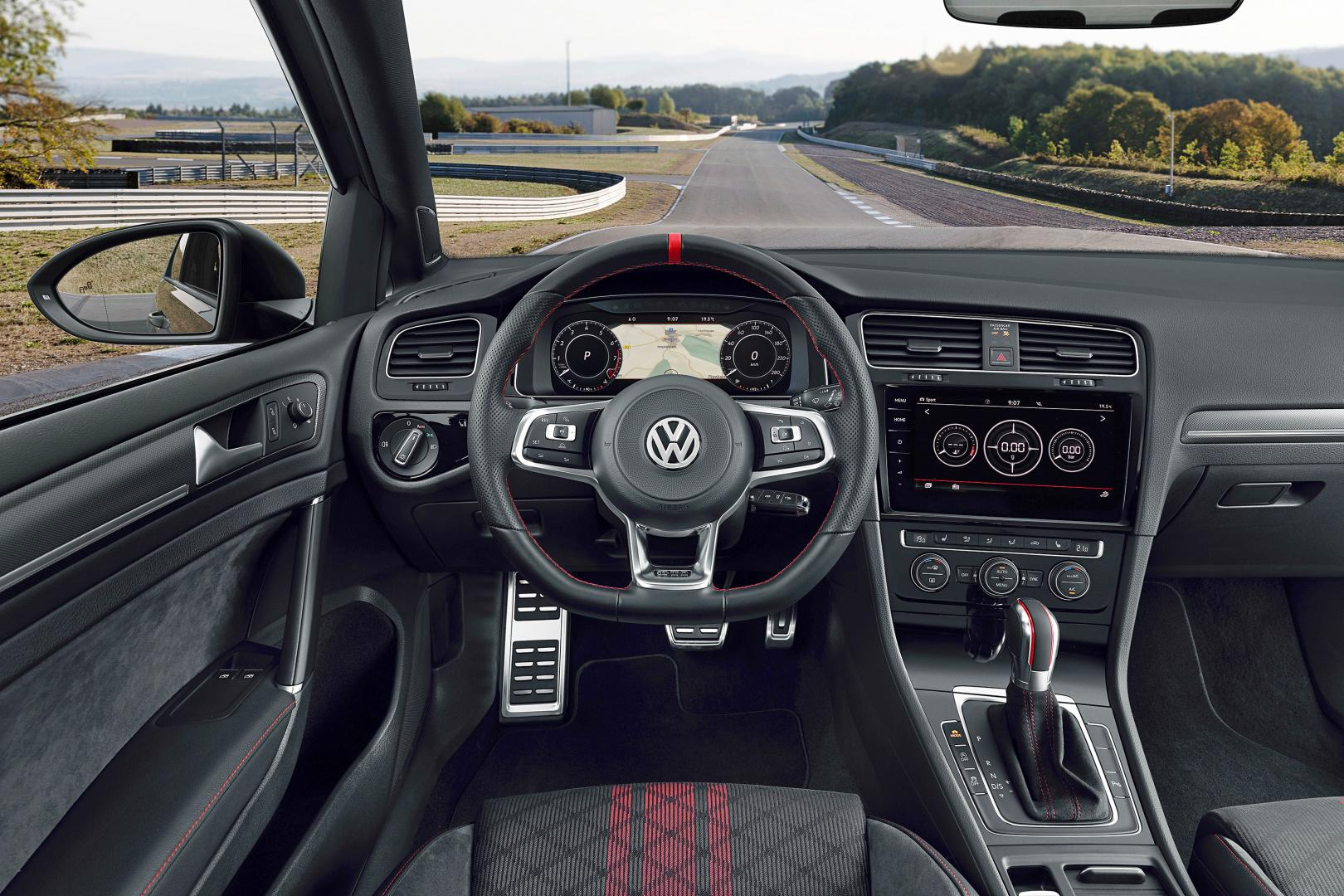 VOLKSWAGEN GOLF GTI TCR interieur