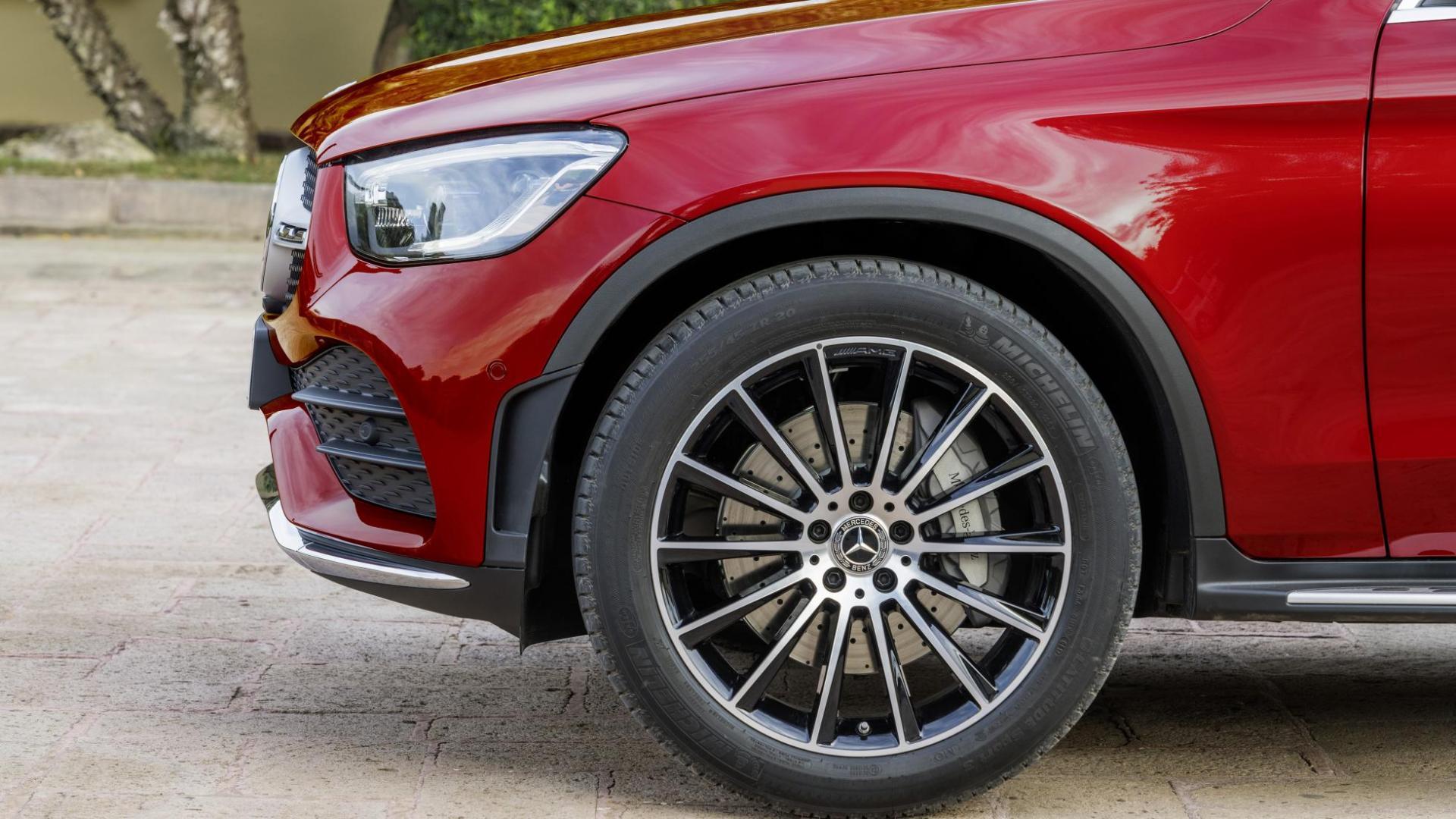 Mercedes GLC Coupé-facelift rood velg