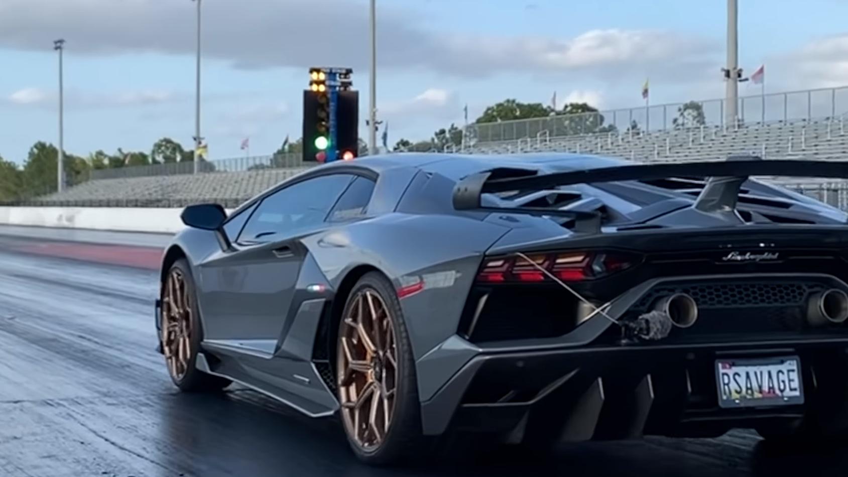 Lamborghini Aventador SVJ Wheelie