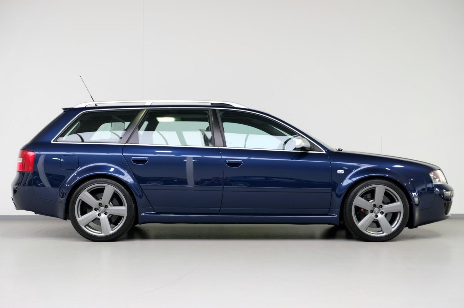 Gloednieuwe Audi RS 6 (C5)