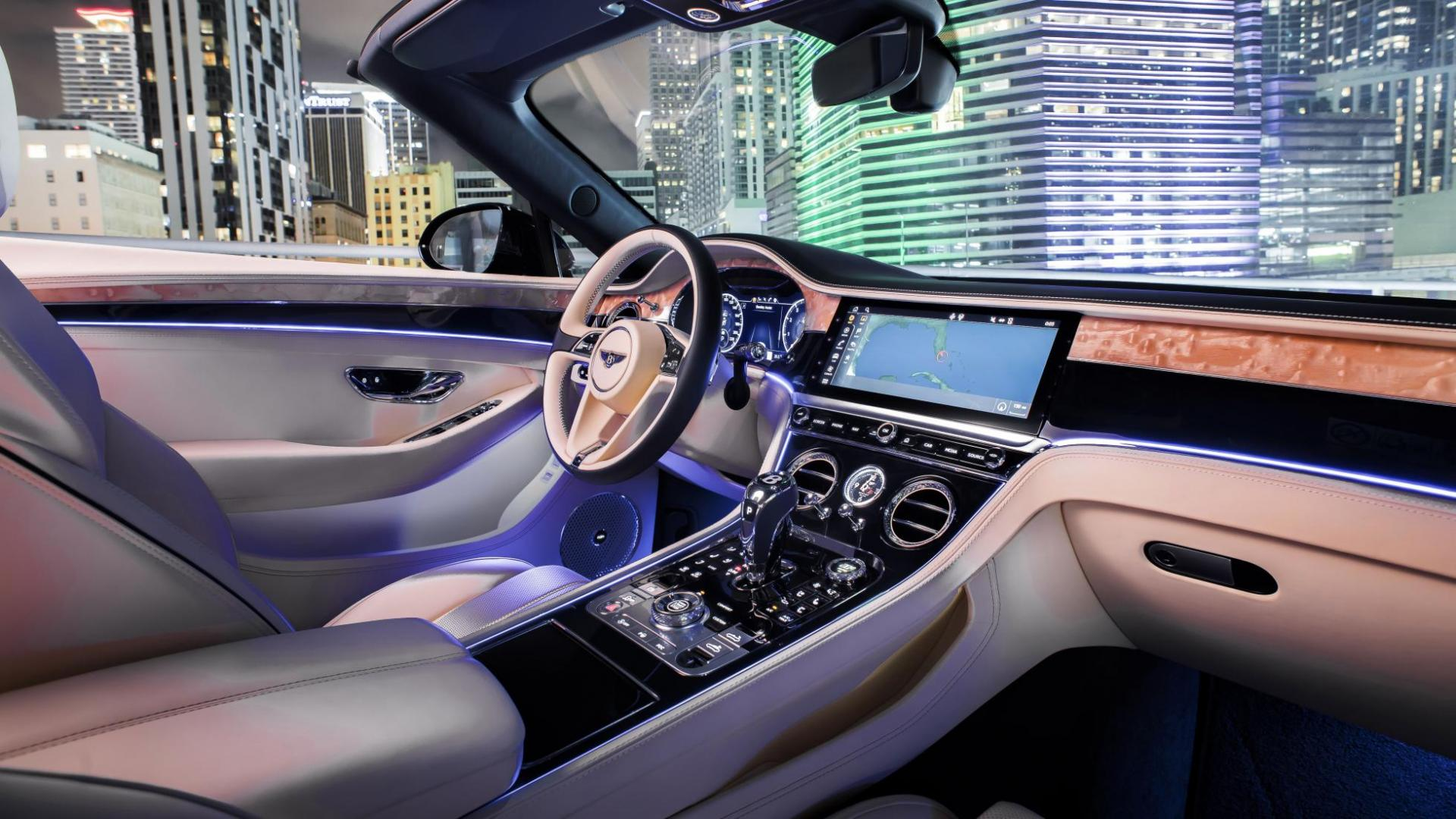 Bentley Continental GT V8 cabrio interieur en dashboard