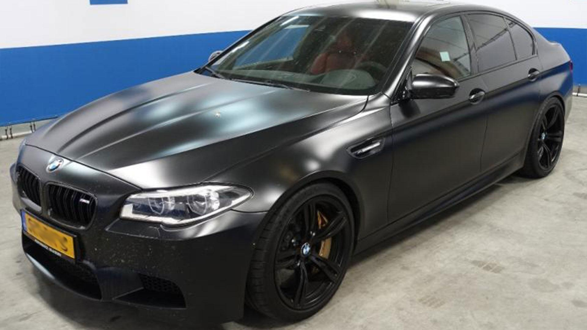 BMW M5 bij Domeinen