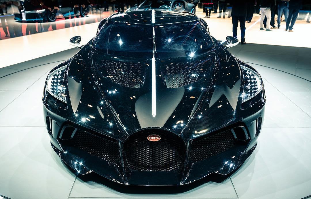 Bugatti La Voiture Noire op autosalon geneve