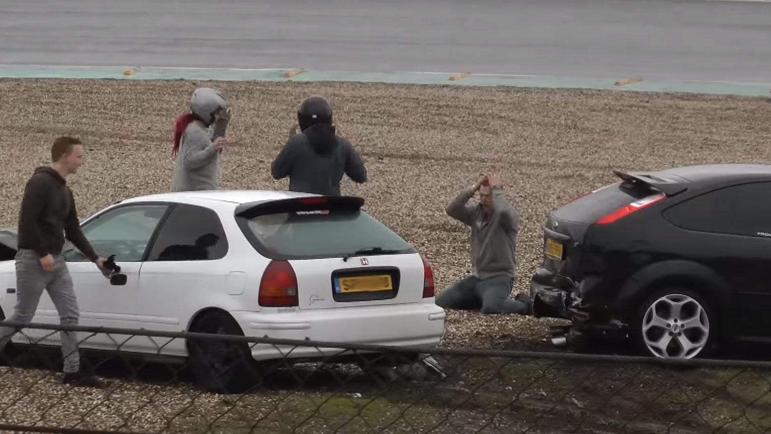 Honda Civic crasht tegen Ford Focus ST op Zandvoort
