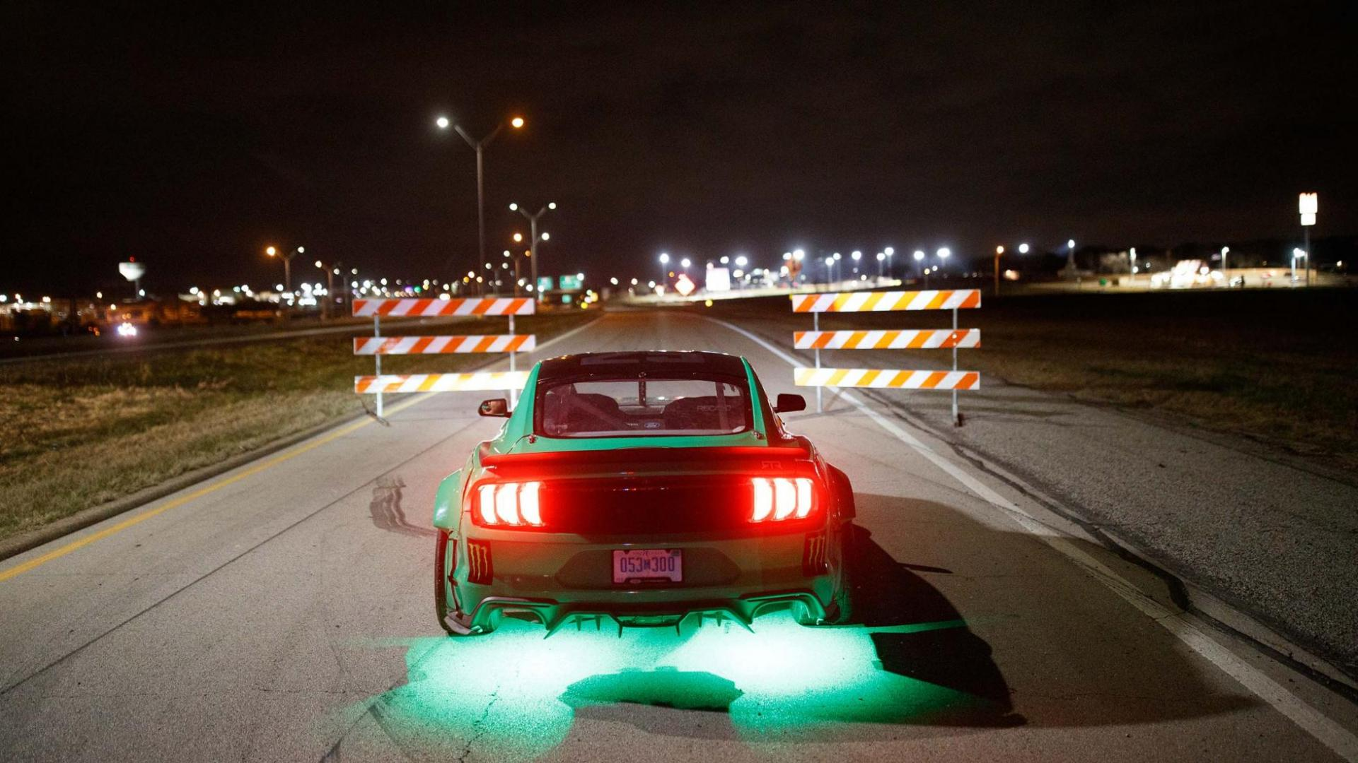 Klaverbladdriften in een 900-pk Ford Mustang