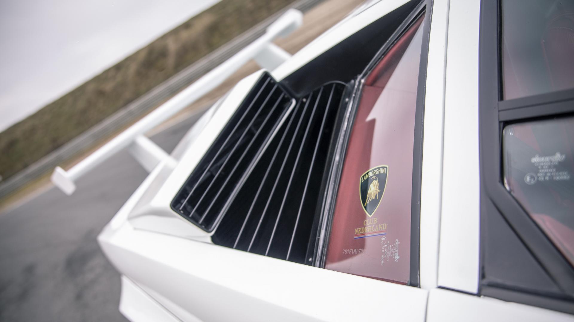 Lamborghini Countach 5000 QV vleugel
