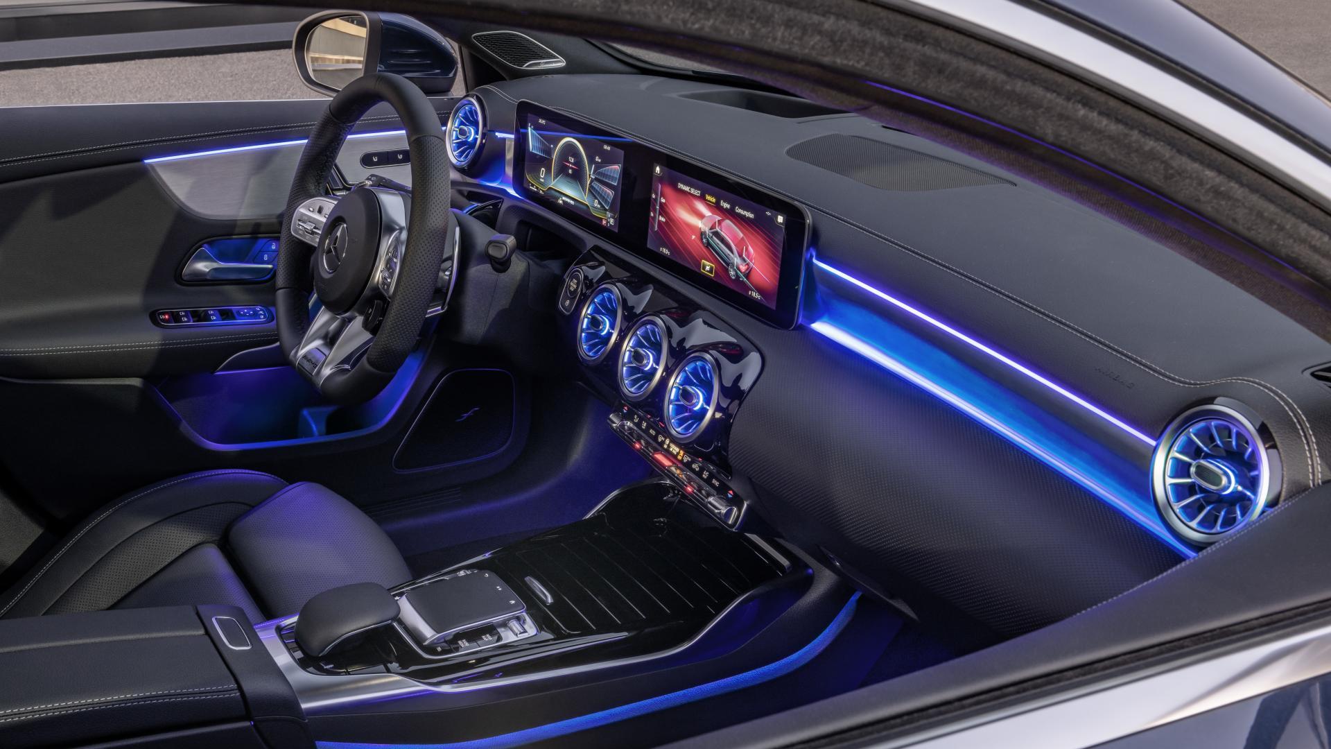 Mercedes-AMG A 35 2019 interieur