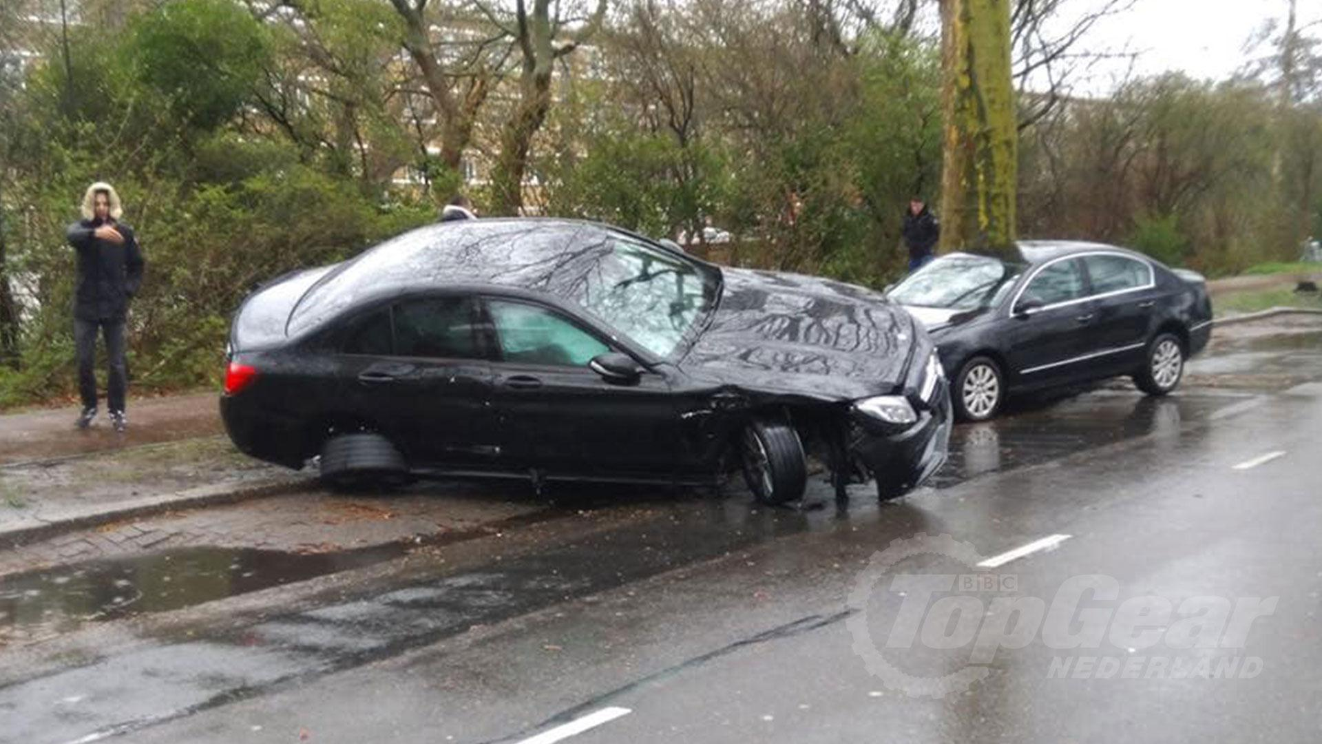Mercedes-AMG C 63 crasht in Den Haag