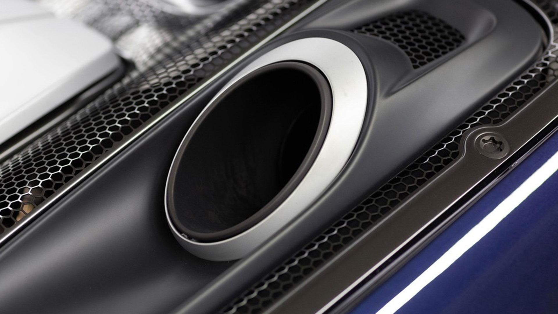paarse Porsche 918 Spyder