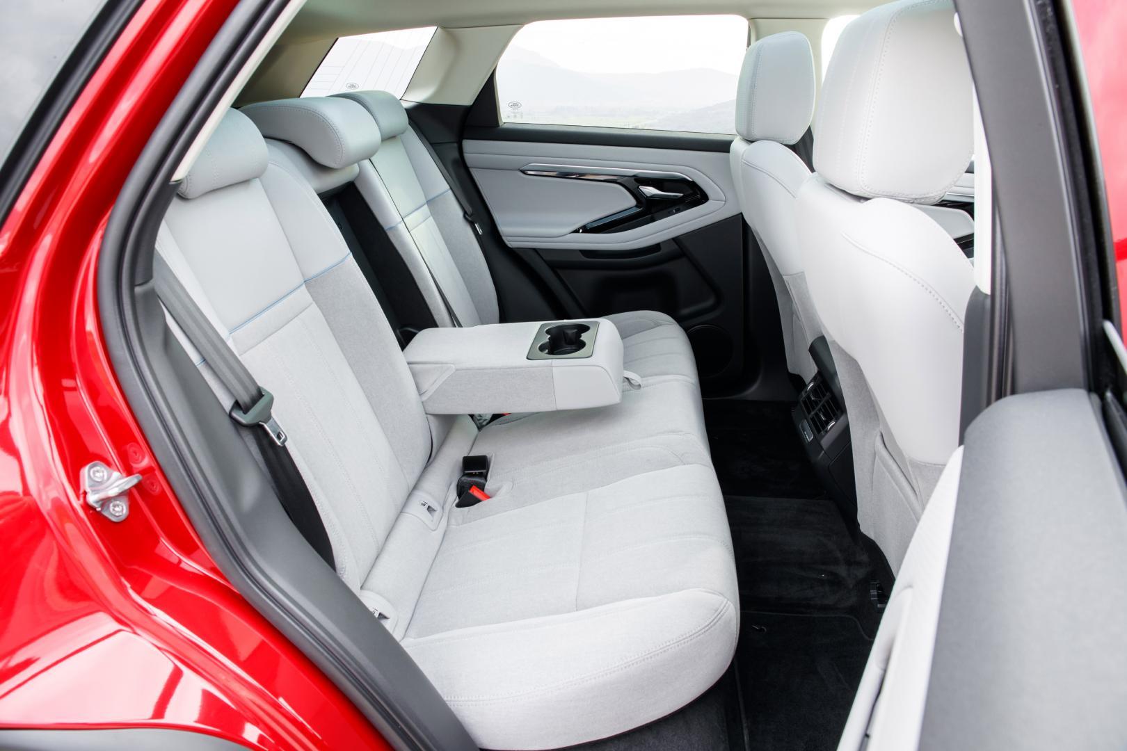 Range Rover Evoque S achterbank