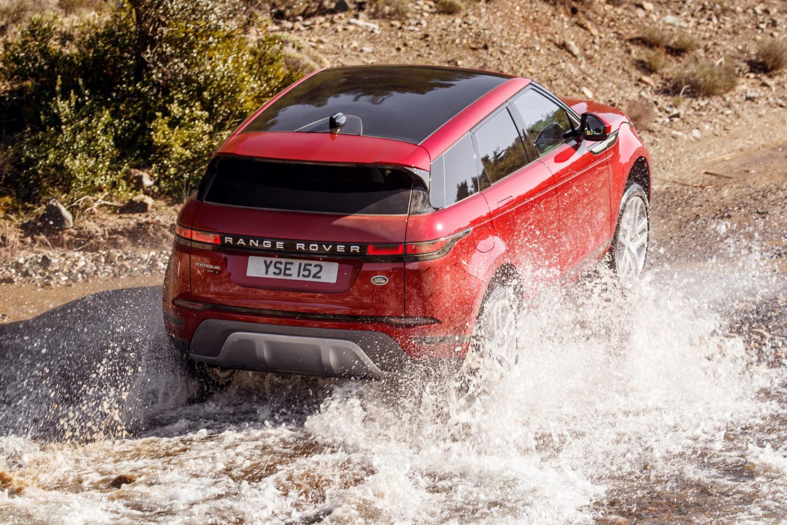 Range Rover Evoque S P250 water rivier