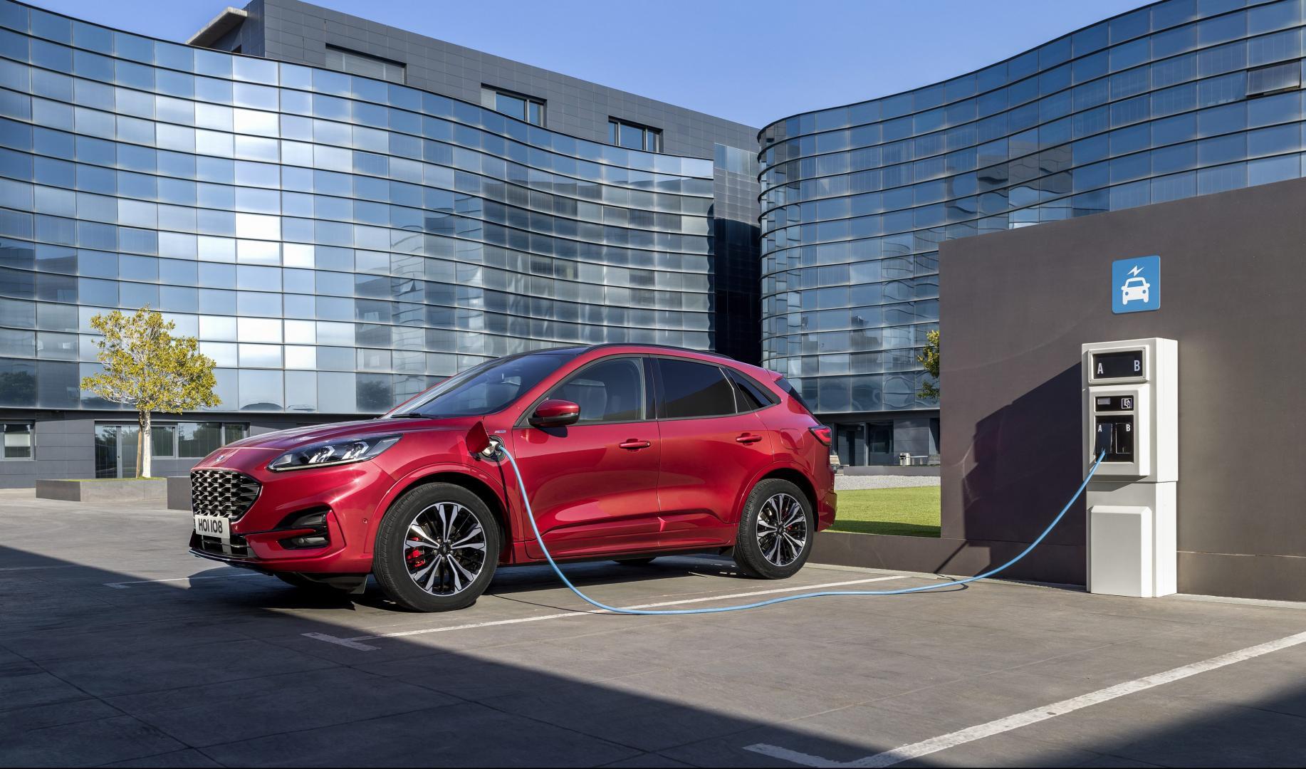 Nieuwe Ford Kuga 2019 laadkabel stekker opladen