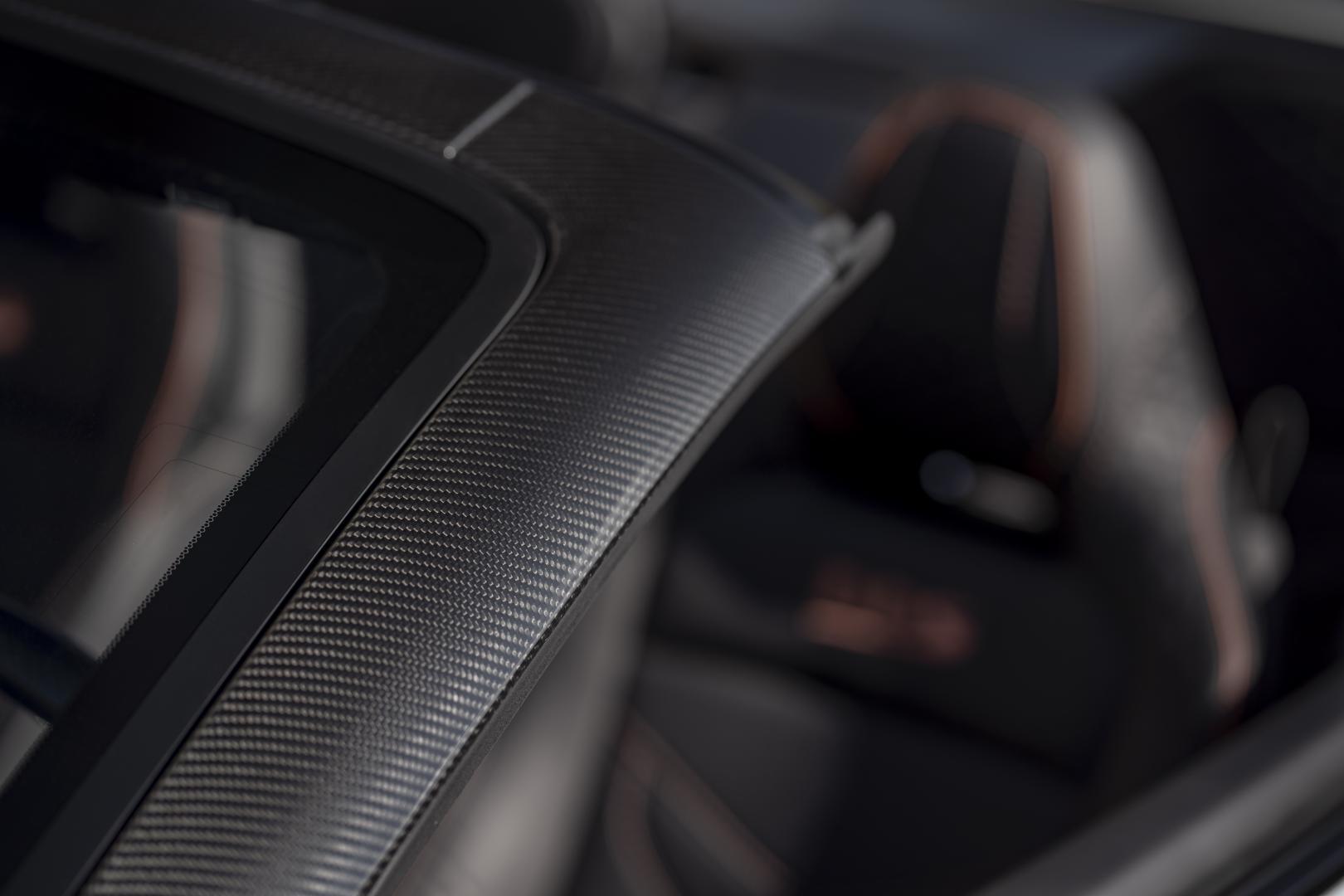 Aston Martin DBS Superleggera Volante a-stijl koolstofvezel