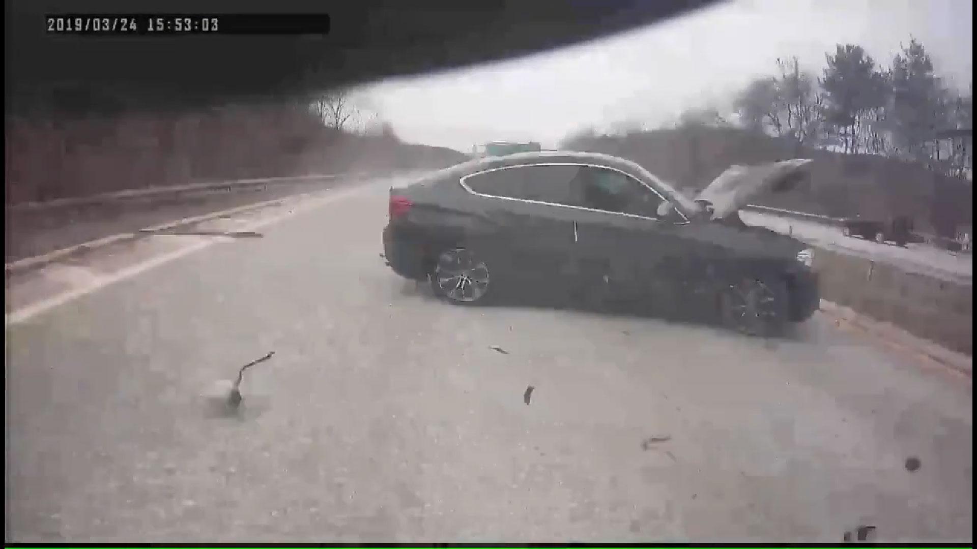 BMW x6-crash