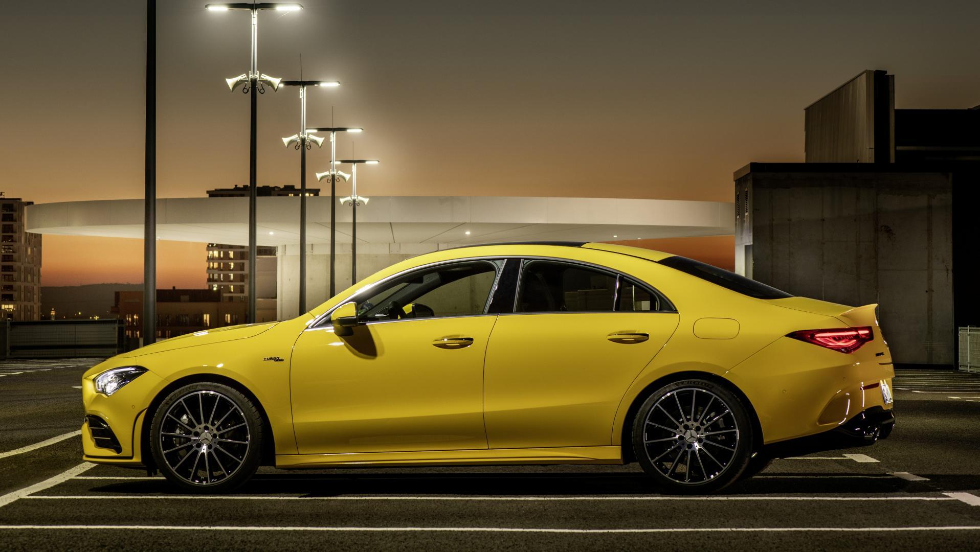 Mercedes-AMG CLA 35 2019 geel