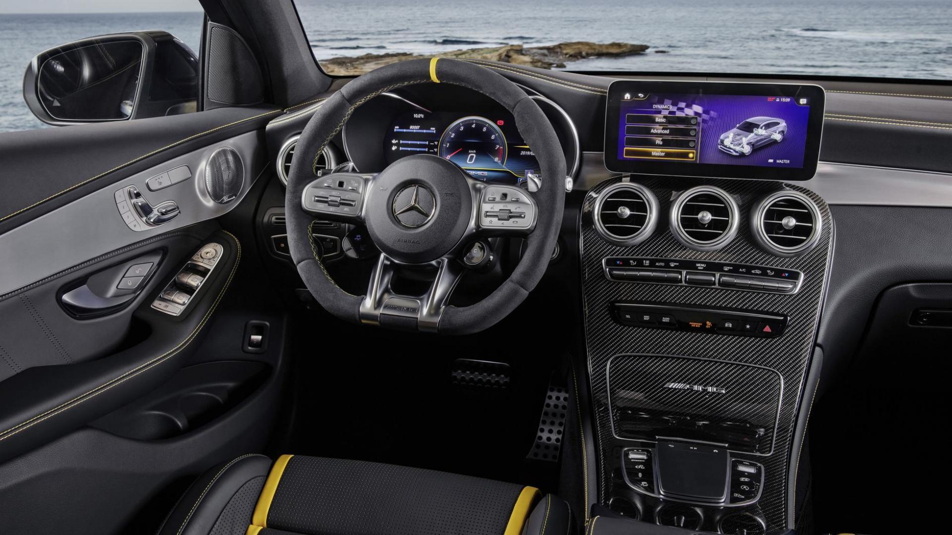 Mercedes-AMG GLC 63-facelift 2019 Coupé interieur