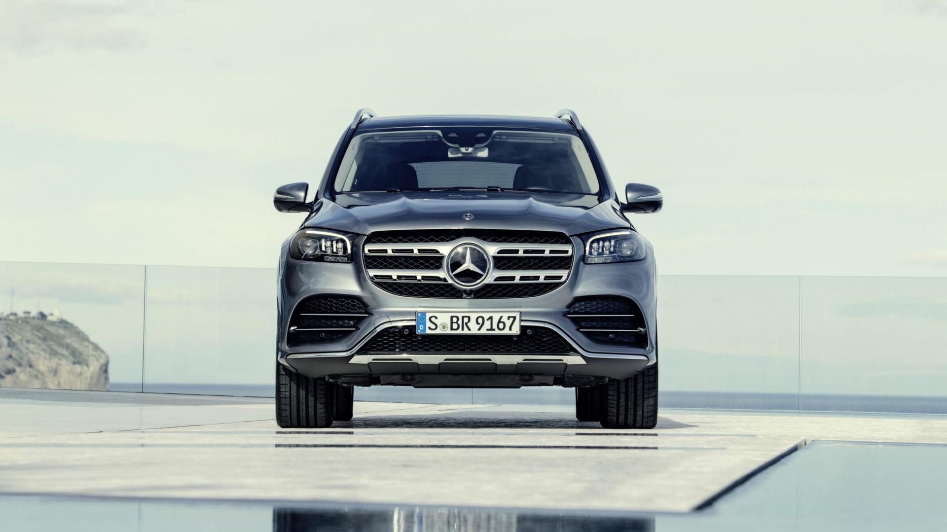 Mercedes-Benz GLS, 2019 AMG Line Selenite Grey zwembad