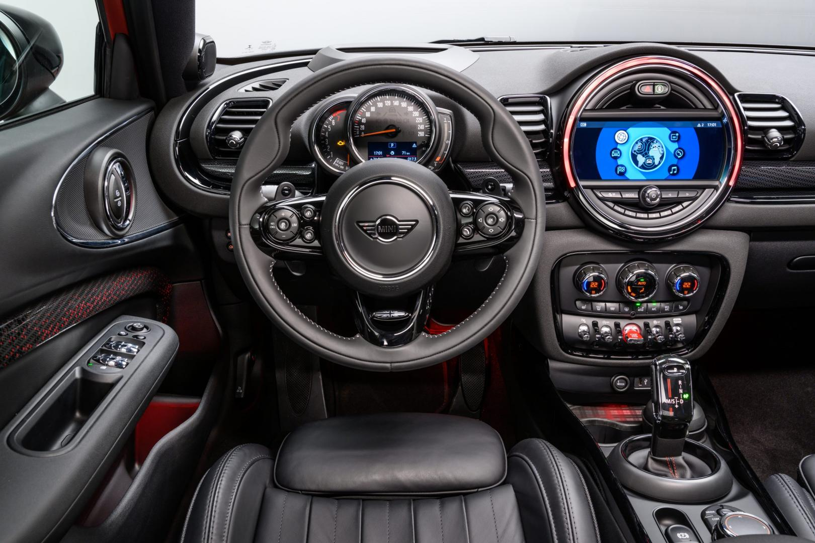 Mini Clubman Facelift 2019 interieur