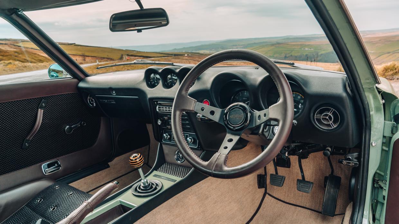 MZR Roadsports Datsun 240Z interieur