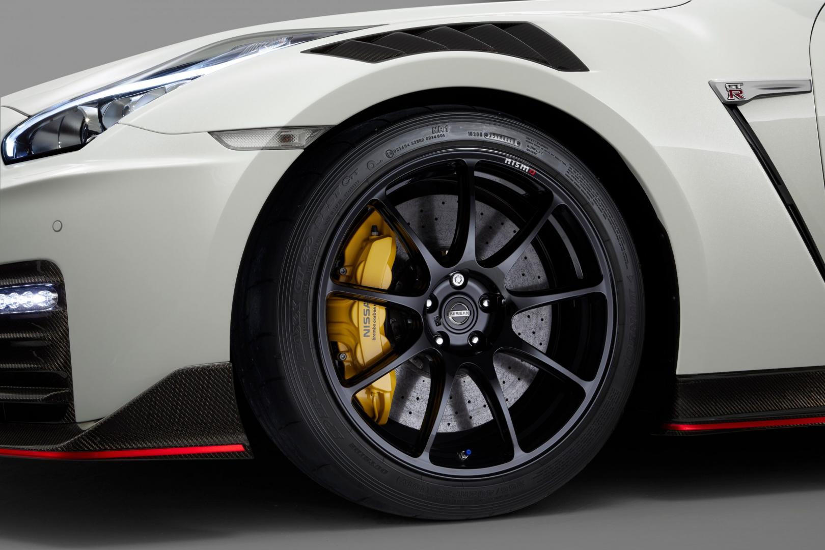 Nissan GT-R Nismo 2020 rays velgen keramische remmen remklauwen