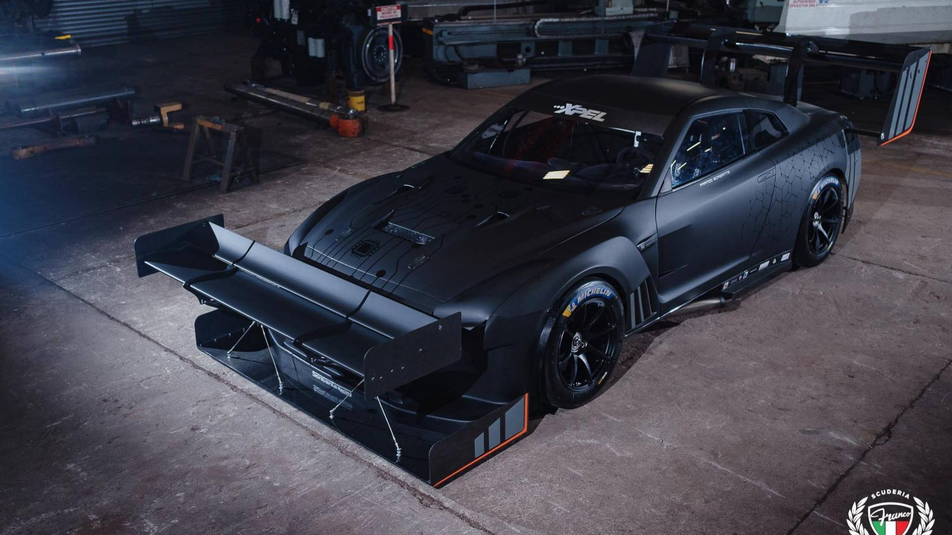 Nissan GT-R met 1.600 pk en spoiler op zn neus