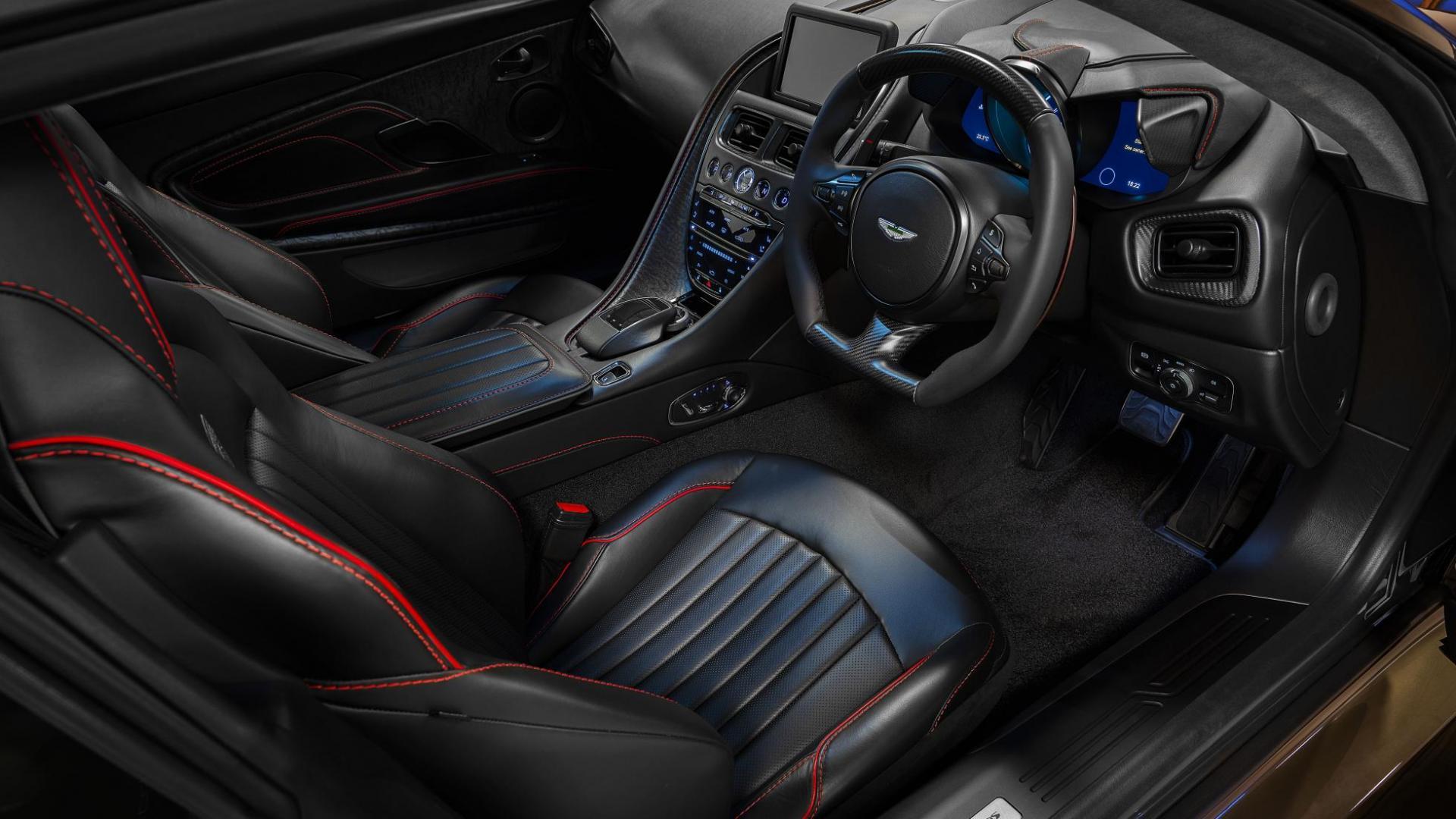 Aston Martin DBS OHMMS Edition dashboard interieur