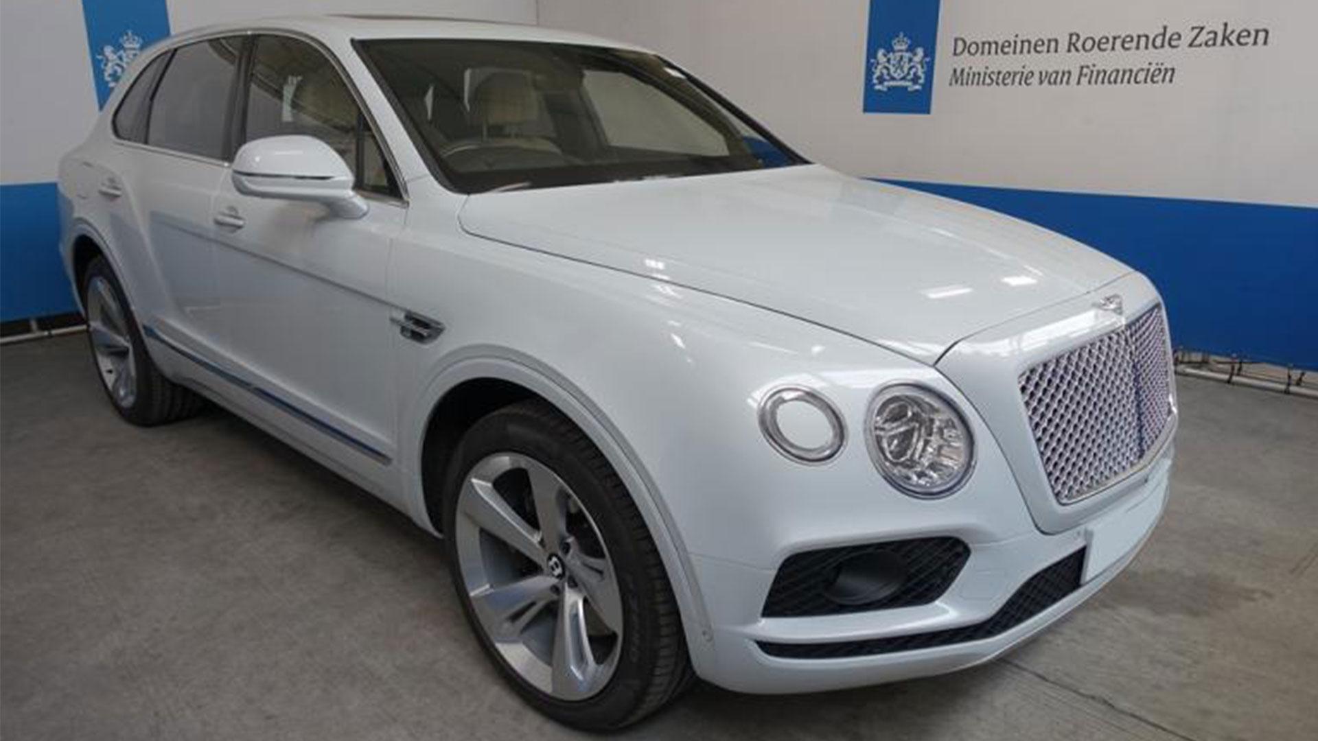 Bentley Bentayga W12 bij domeinen